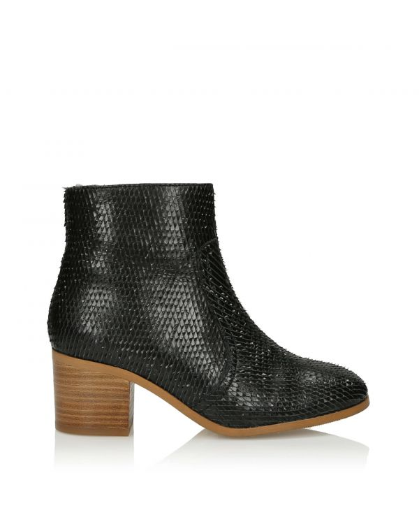 3i Black Ankle Boots - 11105 - 1