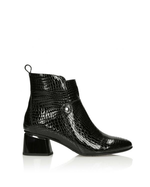 Czarne lakierowane botki damskie 3i - 11659 - 1